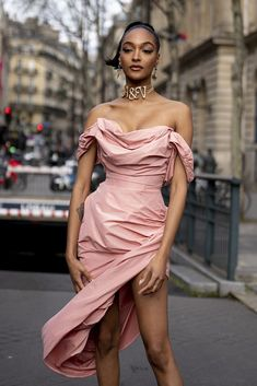The Best Street Style Looks From Days 5 and 6 of Paris Fashion Week Best Street Style, Model Street Style, Autumn Street Style, Cool Street Fashion, Casual Street Style, Street Style Looks, Models Style, Ootd Fashion, Fashion Models