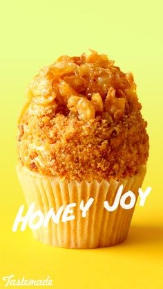 Add a delightfully sweet crunch to fluffy, buzzworthy cupcakes with honey-coated cornflakes.