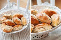 Мы с Никой постоянно в поиске новых интересных рецептов, своё то мы печем постоянно, уж поверьте, а вот найти что-то необычное совсем не просто. Сегодняшний рецепт… Russian Desserts, Cookie Bars, Pretzel Bites, Yummy Cakes, Biscotti, Baking Recipes, Bakery, Sweets, Bread