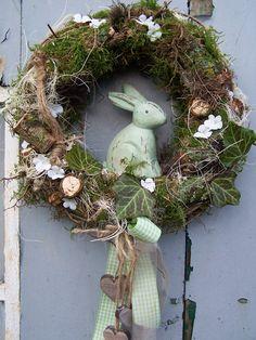 Door wreaths door wreath natural greeting a designer piece from magic room Deco Mesh Garland, Deco Mesh Wreaths, Fall Wreaths, Easter Wreaths, Door Wreaths, Christmas Wreaths, Christmas Decorations, Mesh Wreath Tutorial, Diy Wreath