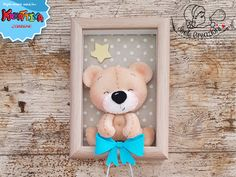 Felt garlands are undoubtedly the most popular and sought after. Felt Doll Patterns, Paper Flower Patterns, Cute Crafts, Felt Crafts, Diy And Crafts, Teddy Bear Crafts, Welcome Home Baby, Baby Frame, Felt Baby