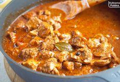 Mamy bardzo dobry przepis na gulasz wieprzowy. Dużo aromatycznego sosu i mięciutkie mięso Mozzarella, Curry, Cooking Recipes, Ethnic Recipes, Food, Curries, Cooker Recipes, Chef Recipes, Meals