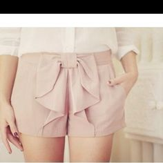 I have gold-ish shorts like these, and i luvvv them!