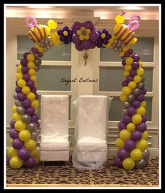 bee themed baby shower by www.elegant-balloons.com