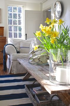 What a difference a bunch of daffodils make! On my latest market run, gorgeous, long stemmed, bright yellow faced daffodils greeted me. I couldn't walk by. Potted up in the usual plastic pots, I popped keep reading White Exterior Houses, Interior And Exterior, Interior Design, Beach Cottage Style, Country Style Homes, Room Decor, House Styles, Connecticut, Cottage Farmhouse