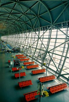 Kansai Airport Terminal - Renzo Piano, via Flickr
