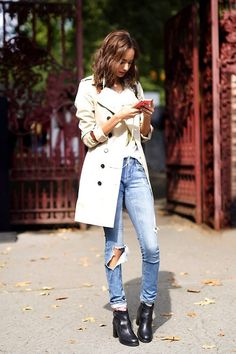 trench, denim & boots #style #fashion #streetstyle