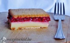 Meggyes-pudingos keksz szelet