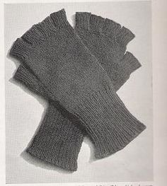 Knitting Patterns Gloves Fingerless gloves with long wristlets will keep his hands warm and his fingers free for active duty Fingerless Gloves Knitted, Crochet Gloves, Knit Mittens, Baby Knitting Patterns, Knitting Stitches, Knitting Needles, Knitting Accessories, Hand Warmers, Free Crochet