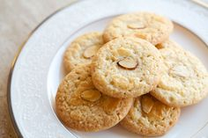 Amaretti ~ Italian Macaron Cookies {Recipe} The Good . Almond Meal Chocolate Chip Cookies Making Thyme For Health. Macadamia Chocolate Chip Shortbread Cookies Crazy For Crust. Paleo Recipes, Cookie Recipes, Dessert Recipes, Simply Recipes, Great Recipes, Almond Meal Cookies, Shortbread Cookies, Sliced Almonds, Food 52
