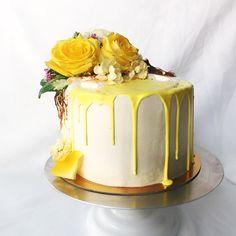 Elegant Photo of Yellow Birthday Cake Ideas . Yellow Birthday Cake Ideas Fresh Florals With Yell Lemon Birthday Cakes, Yellow Birthday Cakes, 18th Birthday Cake, Yellow Cakes, Happy Birthday, Unicorne Cake, Cake Cookies, Eat Cake, Cupcake Cakes