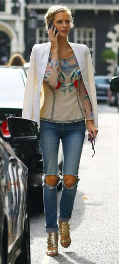 Poppy Delevigne:  Lovely structured & boho good look for me ! #sophisticated #casual #summery