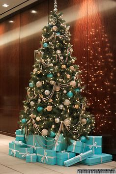 christmas tree blue 100 Festive Christmas Tree Ideas thatll make the Christmas Cheer even more Vibrant - Hike n Dip Turquoise Christmas, Blue Christmas Decor, Gold Christmas Decorations, Christmas Tree Themes, Silver Christmas, Rustic Christmas, Xmas Tree, Gold Ornaments, Christmas Photos