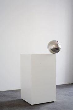 escultura prisma esfera a putno caer inestabilidad