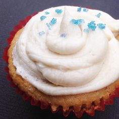 Perfect AIP Vegan Paleo Vanilla Cupcakes with Otto's Cassava Flour (Egg-free / Coconut-free / Nut-free) Paleo Dessert, Paleo Sweets, Cassava Flour Recipes, Paleo Flour, Vanilla Cupcakes, How To Eat Paleo, Nut Free, Grain Free, Real Food Recipes