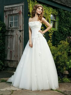 A-line Strapless Tulle Satin Chapel Train White Appliques Wedding Dresses