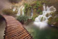 Is this walkway possibly in Plitvice Lake National Park in Croatia?  Anyway, it sure looks like it.