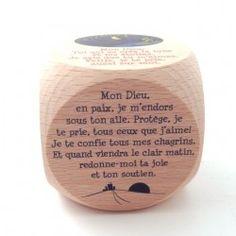 "Dé de ""prière du soir"" en bois Let Us Pray, Little Prayer, Prayer Box, Praying To God, Bible Prayers, French Words, Quotes About God, God Is Good, Jesus Loves"