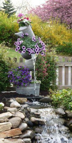 Cool dekorative blumen und flie endes wasser f r einen modernen garten erstaunliche Bilder von Gartengestaltung mit