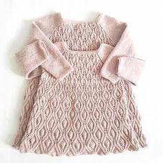 Makes knitting patterns for the ones you love - Babies and toddlers - Always new patterns in the making - Based in Copenhagen