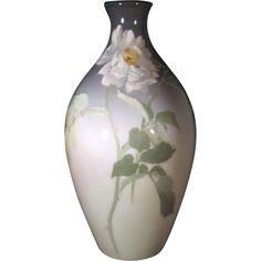 Antique Rookwood Vase @rubylanecom #VintagePottery #rubylane