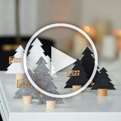 23 Clever DIY Christmas Decoration Ideas By Crafty Panda Diy Christmas Videos, Christmas Wreaths To Make, Diy Christmas Ornaments, Christmas Tree, Christmas Ideas, Diy Crafts For Kids, Home Crafts, Diy Wall Decor, Bedroom Decor