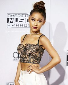 Ariana Grande at American Music Awards red carpet Rihanna, Ariana Grande, Selena Gomez, American Music Awards, Demi Lovato, Taylor Swift, Youtuber, Bae, Dangerous Woman