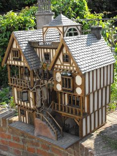 Stunning! Tudor Doll's House in Dolls & Bears, Dolls' Miniatures & Houses, Dolls' Houses | eBay