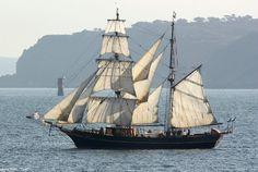"""Tres Hombres"" unmotorized sail trading brigantine."