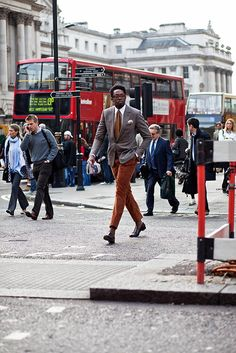 The Strand, London | Faces by The Sartorialist: style inspired by eyeglasses