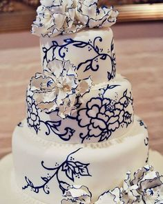 Beautiful Wedding Cakes And Prices it is Wedding Cakes Prices South Africa; Traditional Wedding Cakes South Africa unlike Inexpensive Wedding Cakes Near Me below Weddingwire Sparklers Beautiful Wedding Cakes, Gorgeous Cakes, Pretty Cakes, Amazing Cakes, Beautiful Flowers, Mod Wedding, Dream Wedding, Wedding Blue, Wedding Flowers
