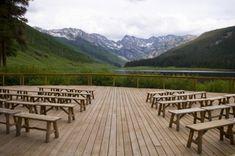 Alpine style for a romantic ceremony Voici Venu Le Temps, Alpine Style, Far Away, Wedding Ceremony, Dream Wedding, Deck, Romantic, Stock Photos, Mountains