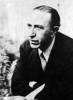 PEDRO SALINAS. Poeta español, miembro de la Generación del 27, en la que destacó como poeta del amor.