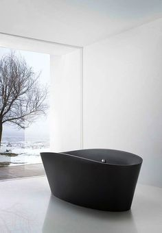 Black bathtub with glass wall view ITCHBAN.com // Architecture, Living Space & Furniture Inspiration #10