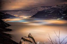 #sacradisanmichele #piemonte #igersitalia #igerspiemonte #night #notte #landscape #paesaggio #clouds #nuvole #nebbia #fog #nightcolors #longexposure #neve #snow #city #canon #blue #mountains #montagne #valsusa #freddo #coldnight
