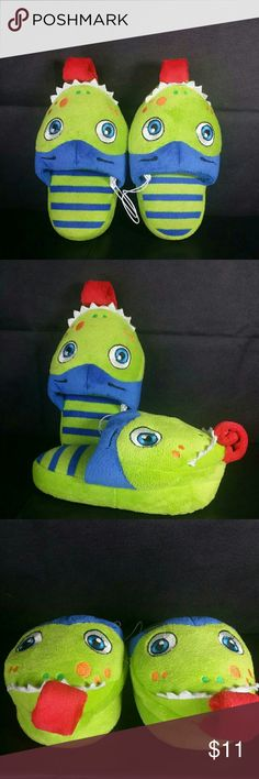 Stompeez Sleepers Walk Jump Stomp Stompeez, Kids Sleepers, size 7/8 , color blue and green blend in a cute moster form with a red tonge that stick out when waslking, enjoy seeing your litteone jump, walk, stomp with these super soft, comfy and fun sleepers, $19.99 retail price value, comes new without tag as closeout item in good cosmetic condition Stompeez  Shoes Slippers