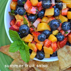 Think all salsa has to have tomatoes? Think again. Try this fruit salsa and you'll be a convert. Summer Recipes, New Recipes, Real Food Recipes, Yummy Food, Favorite Recipes, Fruit Recipes, Recipies, Fresh Fruit Salad, Fruit Salsa