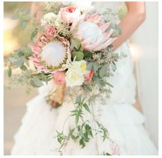 Love this bouquet! Only maybe not the hanging leaves