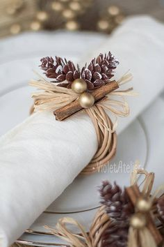 Pinecone napkin ring, Christmas table decoration, cinnamon wooden rustic napkin rings
