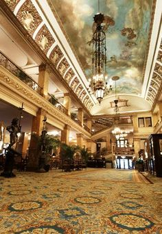 Pfister Hotel, Milwaukee, WI, US Some say it is hunted, my daughter be leaves it is.
