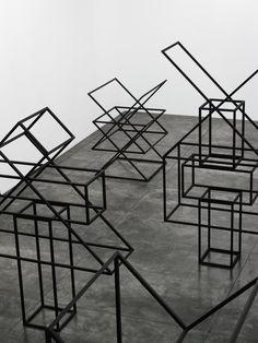 Rraul Mourao Abstract Geometric Art, Geometric Shapes, Steel Sculpture, Sculpture Art, Sculpture Projects, Kinetic Art, Plastic Art, Conceptual Design, Installation Art