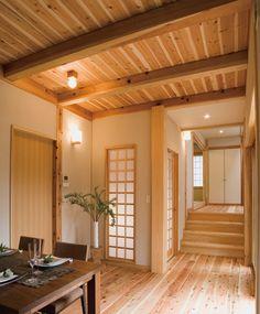床と天井を国産の杉材で仕上げました。 野趣あふれる和モダンのダイニングルーム。 インテリア ダイニング おしゃれ ウッド リビング 