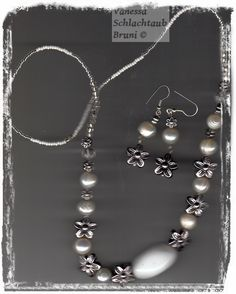"""Necklace and earrings with pearls and white marble """"Margot"""""""