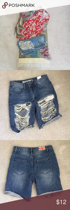 • Grunge Distressed Ripped Shorts • Super cute and very distressed shorts in a size small. Super cute for hot days and festivals. Worn, but they are a bit too big, which is why we are selling. Should fit a S/M. Please note, the shirt in the photo is NOT for sale, nor will it be! Thanks! Mackine Pants