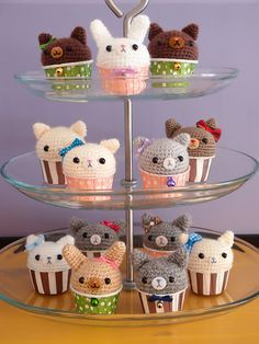 Kitty Cupcake Amigurumi - FREE Crochet Pattern and Tutorial by Susie StuffSusieMade