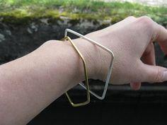 Hexagon hammered bangle, chic modern bracelet, geometric shape, minimalist stacking bangle, 925 silver bangle, brass bangle