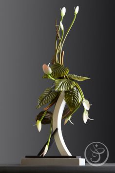 Stéphane Leroux, M., one of the world's greatest chocolate masters The French Pastry School Ikebana, Art Floral, Chocolate Centerpieces, French Pastry School, Chocolate Showpiece, Chocolate Work, Decoration Patisserie, Food Sculpture, Sushi Art