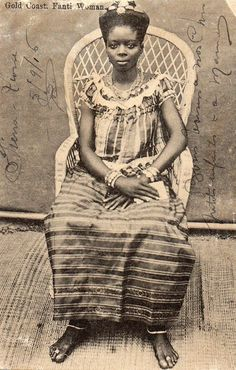 """Gold coast, Fanti Woman"" - Photography series by F.H Arkhurst in Grand Bassam, Ivory Coast.taken between 1900 and 1910 along Africa's coast from Niger Delta to Ivory Coast. African Culture, African American History, Ghana Culture, African Beauty, African Art, African Women, Ivory Coast, Gold Coast, African Natural Hairstyles"