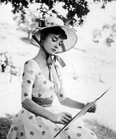 Audrey Hepburn;
