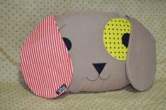 Almofada Cachorro em Patchwork                                                                                                                                                                                 Mais Felt Crafts, Diy And Crafts, Large Floor Pillows, Felt Pillow, Sewing Pillows, Retro Look, Baby Decor, Applique Designs, Softies